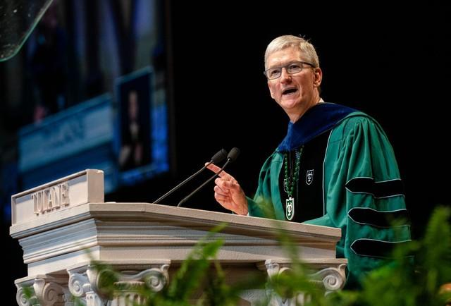 Trước khi cánh cửa đại học khép lại, cánh cửa trường đời mở ra, CEO Apple Tim Cook gửi gắm sinh viên 8 lời khuyên đắt giá nhất - Ảnh 3.