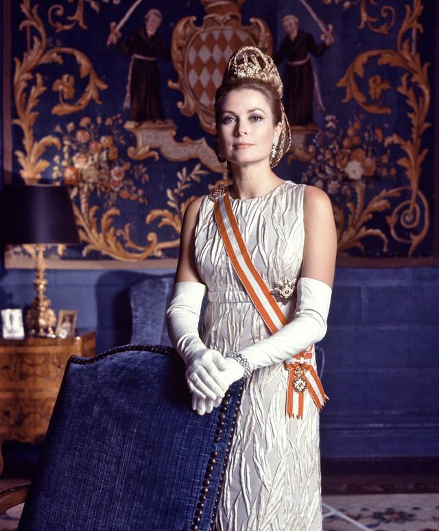 Cuộc đời ly kỳ của Grace Kelly: Tiểu thư triệu phú bỏ tượng vàng Oscar để thành Công nương hoàng gia và cái chết bí ẩn - Ảnh 9.