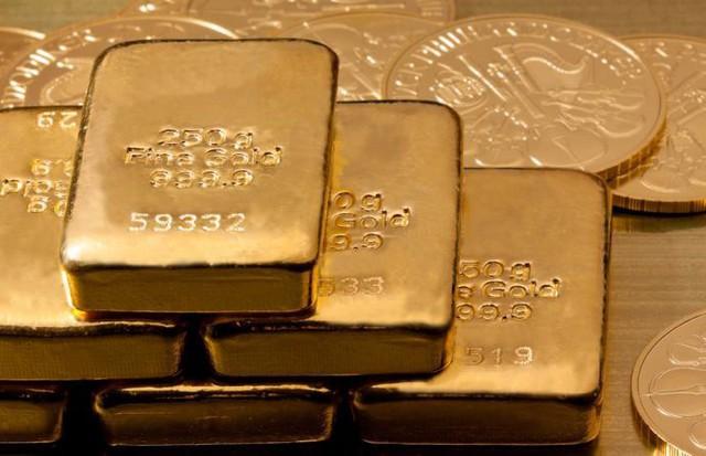 Vàng tăng cực nóng, người dân có nên đổ tiền vào mua vàng lúc này? - Ảnh 2.
