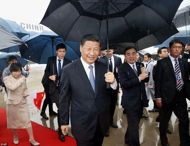 Tổng thống Trump, Chủ tịch Tập đội mưa tới Nhật Bản dự G-20, sẵn sàng cho các cuộc gặp cân não - Ảnh 3.