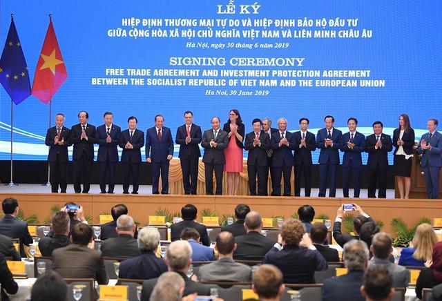 Thủ tướng Nguyễn Xuân Phúc dẫn lời Chủ tịch Ủy ban EU: Hôm nay là ngày đặc biệt, mang ý nghĩa lịch sử trọng đại trong quan hệ Việt Nam – EU - Ảnh 2.