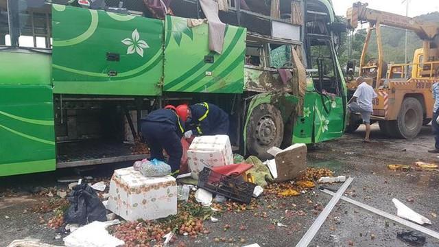 Xe khách lao xuống sông ở Thanh Hóa, nhiều thương vong - Ảnh 2.