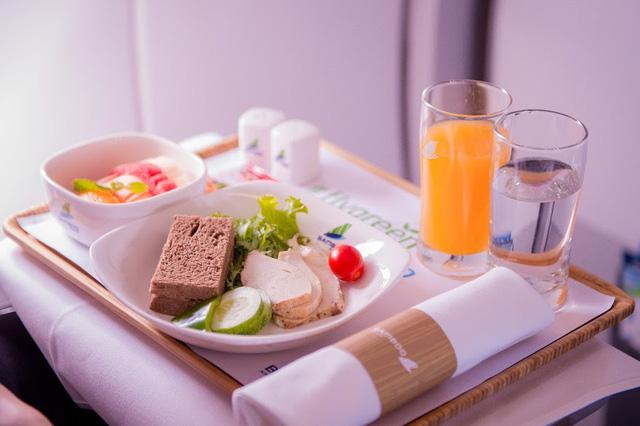 Con số 18.000 tấn rác thải nhựa và chuyến bay xanh đặc biệt của Bamboo Airways - Ảnh 4.
