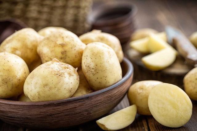 Ăn khoai thay cơm liệu có thực sự tốt cho sức khỏe và giảm cân: Hãy nghe bác sĩ phân tích - Ảnh 3.