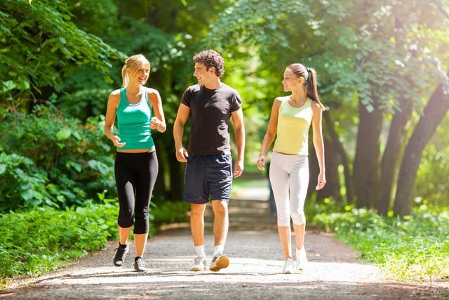 Các nhà khoa học khuyến nghị: Thực hiện 3 thói quen nhỏ nhưng đặc biệt này vào cuối tuần, cuộc sống sẽ trở nên hạnh phúc và ý nghĩa hơn - Ảnh 2.