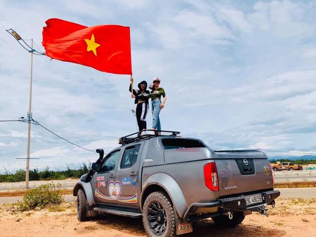 Hàng chục xe bán tải Nissan chặn đường, tổ chức đua xe trái phép ở Quảng Bình - Ảnh 3.