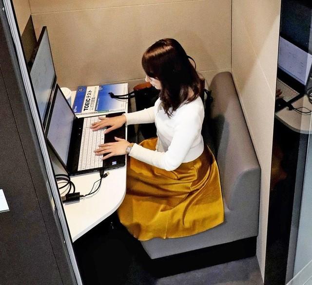 Các công ty Nhật Bản đang cho nhân viên làm 4 ngày/tuần nhưng vẫn hưởng 5 ngày công - chuyện kỳ lạ gì đang xảy ra thế? - Ảnh 1.