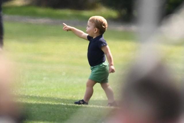 Hoàng tử Louis trở thành nhân vật HOT nhất sự kiện thể thao với loạt biểu cảm khiến người hâm mộ phát cuồng - Ảnh 11.