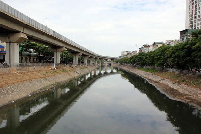 Cận cảnh nước sông Tô Lịch sau 2 ngày hồ Tây mở cửa xả nước - Ảnh 11.