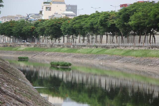 Cận cảnh nước sông Tô Lịch sau 2 ngày hồ Tây mở cửa xả nước - Ảnh 10.