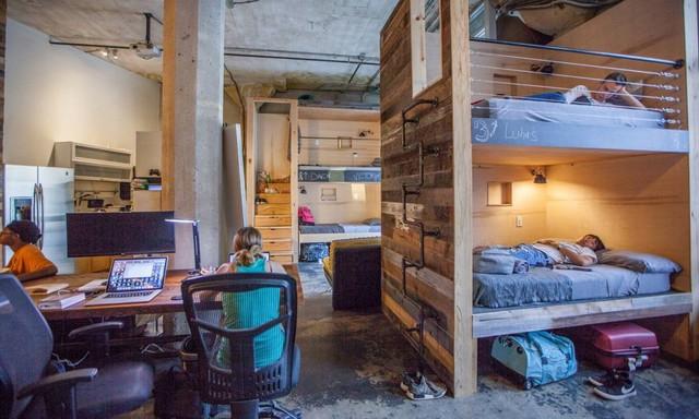30 triệu/tháng chỉ thuê được gác giường tạm bợ, không chút riêng tư: Thực tế phũ phàng không tưởng tại Silicon Valley trù phú - Ảnh 2.