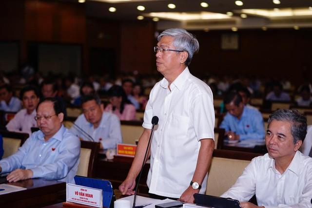 Phó Chủ tịch UBND TP HCM nói về giải pháp dùng lu chống ngập: Chúng ta nên thông cảm - Ảnh 1.