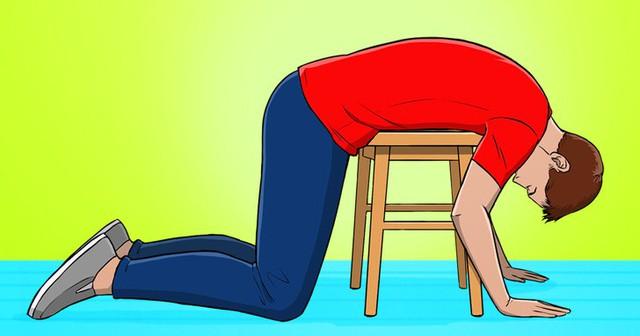 5 mẹo đẩy lùi chứng đau lưng ngay lập tức khi phải ngồi một chỗ cả ngày, dân văn phòng hay lái xe đều nên biết! - Ảnh 1.