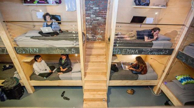 30 triệu/tháng chỉ thuê được gác giường tạm bợ, không chút riêng tư: Thực tế phũ phàng không tưởng tại Silicon Valley trù phú - Ảnh 3.