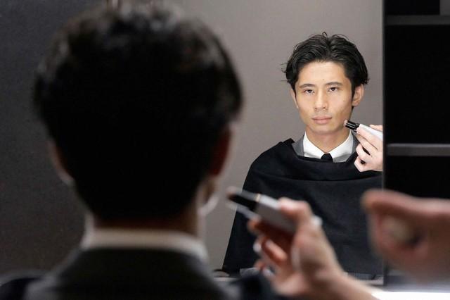 Thế hệ Z thổi bùng thị trường mỹ phẩm dành cho nam giới - Ảnh 1.