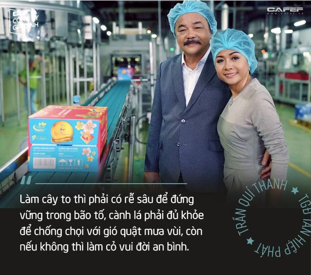 """Trần Uyên Phương: Người ta nói chúng tôi """"trúng số cuộc đời"""", còn ba bảo làm con Dr Thanh may mắn thật nhưng cũng """"bạc phước"""" đấy! - Ảnh 9."""