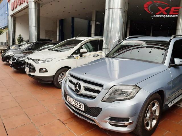 Xe sang 10 năm tuổi tầm giá từ 600 triệu hút khách Việt - Ảnh 1.