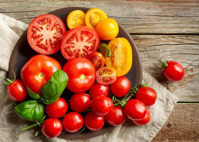 Những thực phẩm quen thuộc khi cất trong tủ lạnh sẽ vừa gây mùi, vừa gây hại cả sức khỏe - Ảnh 2.
