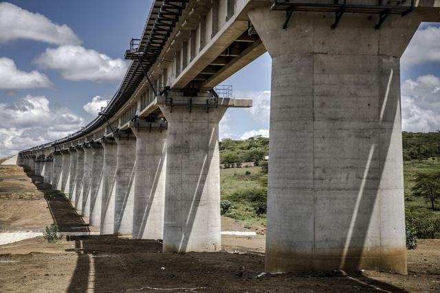Thảm cảnh một số con phố sắt Trung Quốc xây ở Kenya: Lơ lửng giữa hư vô - Ảnh 3.
