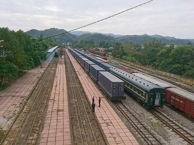 Tìm phương án đầu tư đường sắt cao tốc Bắc-Nam - Ảnh 1.