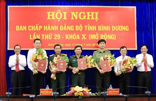 Trao quyết định của Ban Bí thư Trung ương Đảng về công tác cán bộ - Ảnh 3.