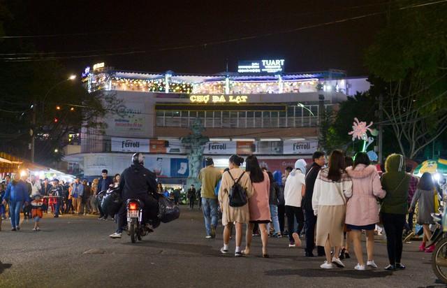 Kinh tế màu ánh đèn neon và cơ hội của Việt Nam - Ảnh 7.