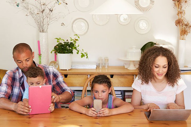 """10 kiểu phụ huynh là nỗi ác mộng đối với con cái và các giáo viên: Kiểm soát, bao bọc và nuông chiều thái quá đều được """"gọi tên"""" - Ảnh 3."""