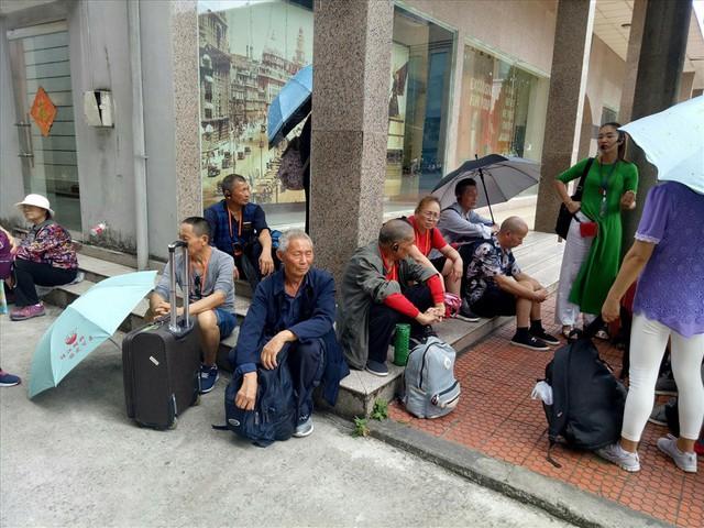 Hàng trăm khách Trung Quốc tố các công ty tour 0 đồng lừa đảo - Ảnh 1.