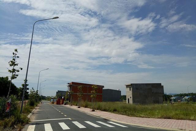Vụ 'xẻ 7.000 m2 đất công phân lô bán nền: Ngưng mọi hoạt động giao dịch - Ảnh 1.