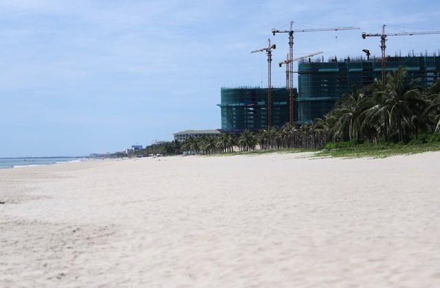 Khu nghỉ dưỡng 5 sao ở Đà Nẵng xây bãi đáp trực thăng khi chưa được phép - Ảnh 1.