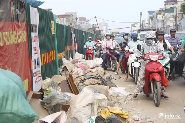 Những hình ảnh xấu xí của người dân vi phạm giao thông ở Hà Nội - Ảnh 7.