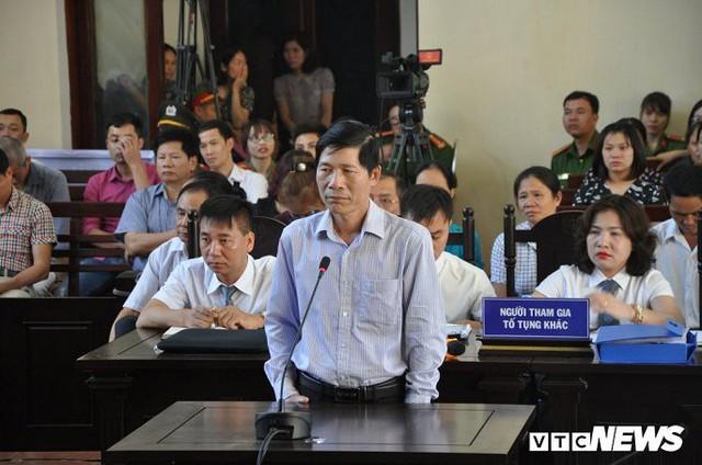 Nguyên Phó giám đốc Bệnh viện Đa khoa Hòa Bình bị khai trừ Đảng - Ảnh 1.