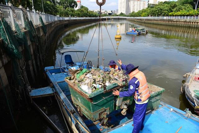 Từng đen thối như sông Tô Lịch, kênh Nhiêu Lộc khét tiếng giờ ra sao? - Ảnh 13.