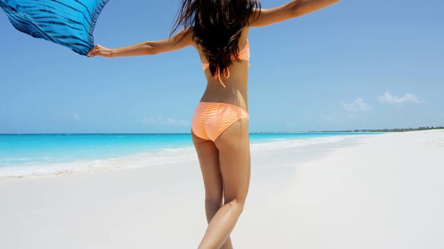 Chuyên gia da liễu hướng dẫn cách chống nắng hoàn hảo khi đi biển, ngăn chặn cháy nắng, bỏng nắng và cả ung thư da - Ảnh 3.