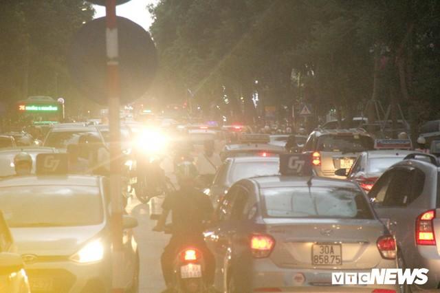 Ảnh: Con đường quan trọng trung tâm Thủ đô rục rịch thi công sau 15 năm đắp chiếu - Ảnh 10.