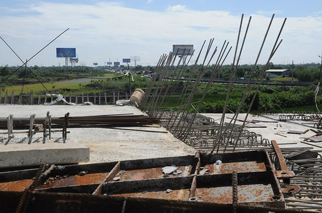 Điều gì đang xảy ra ở công trường cao tốc Trung Lương gần 10 nghìn tỷ? - Ảnh 2.