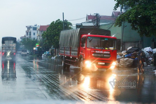 Xe tải lật chết 5 người ở Hải Dương, Trung tá CSGT nói lý do tài xế giật mình - Ảnh 14.