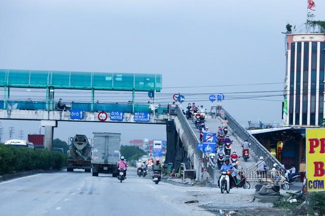 Kệ lệnh cấm, xế hộp phi lên cầu vượt quốc lộ 5 cho tiện - Ảnh 6.