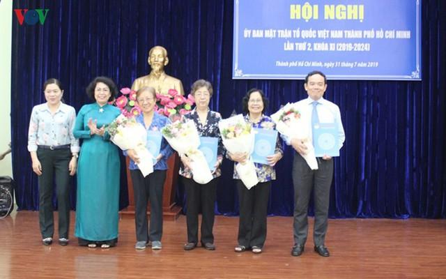 Phó Bí thư Thường trực Thành ủy TPHCM kiêm nhiệm Phó Chủ tịch Mặt trận - Ảnh 1.