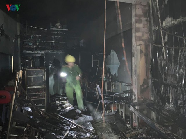 Gia Lai: Cháy chợ trong đêm, hàng loạt ki ốt bị thiêu rụi - Ảnh 3.