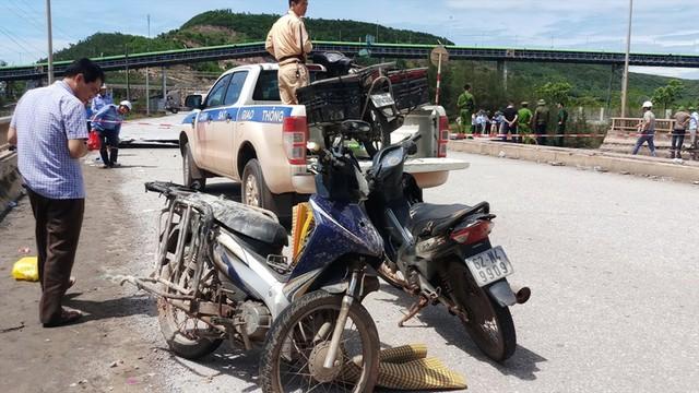 Hiện trường vụ sập đường tại Thanh Hóa khiến 5 người thương vong - Ảnh 11.