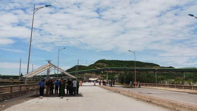 Hiện trường vụ sập đường tại Thanh Hóa khiến 5 người thương vong - Ảnh 12.