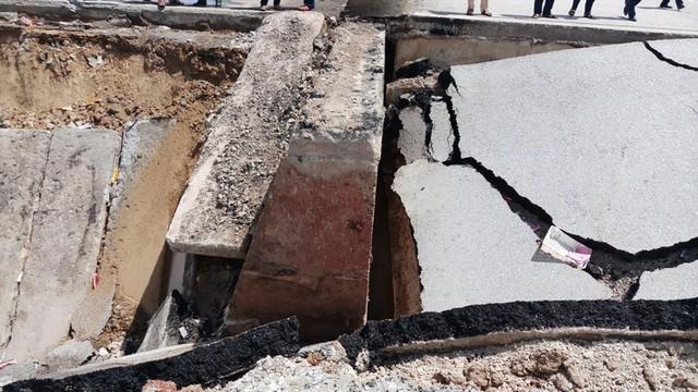 Hiện trường vụ sập đường tại Thanh Hóa khiến 5 người thương vong - Ảnh 6.