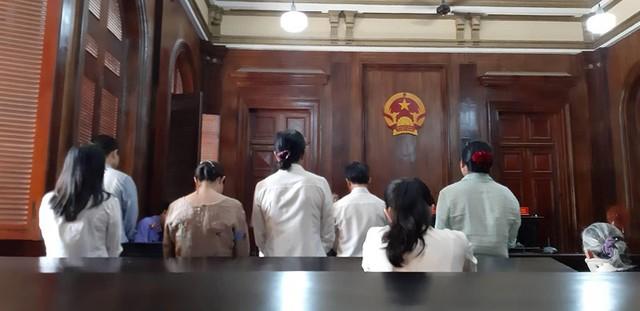 Nhiều cựu cán bộ, nhân viên ngân hàng lãnh án - Ảnh 1.