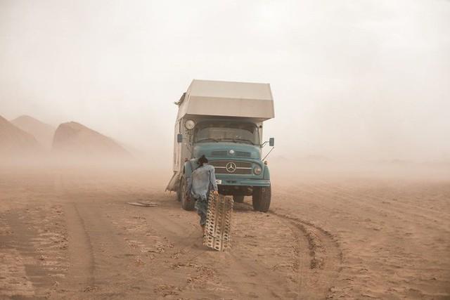 Gia đình nhỏ 3 người đi du lịch khắp nơi trên chiếc xe tải nhỏ, xem xong dân tình chỉ biết thốt lên: Cuộc đời tự do số 1 là thế này đây! - Ảnh 12.