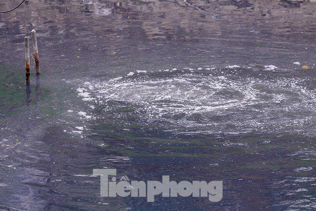 Chất lượng nước sông Tô Lịch biến chuyển ra sao khi dùng bảo bối của Nhật? - Ảnh 5.