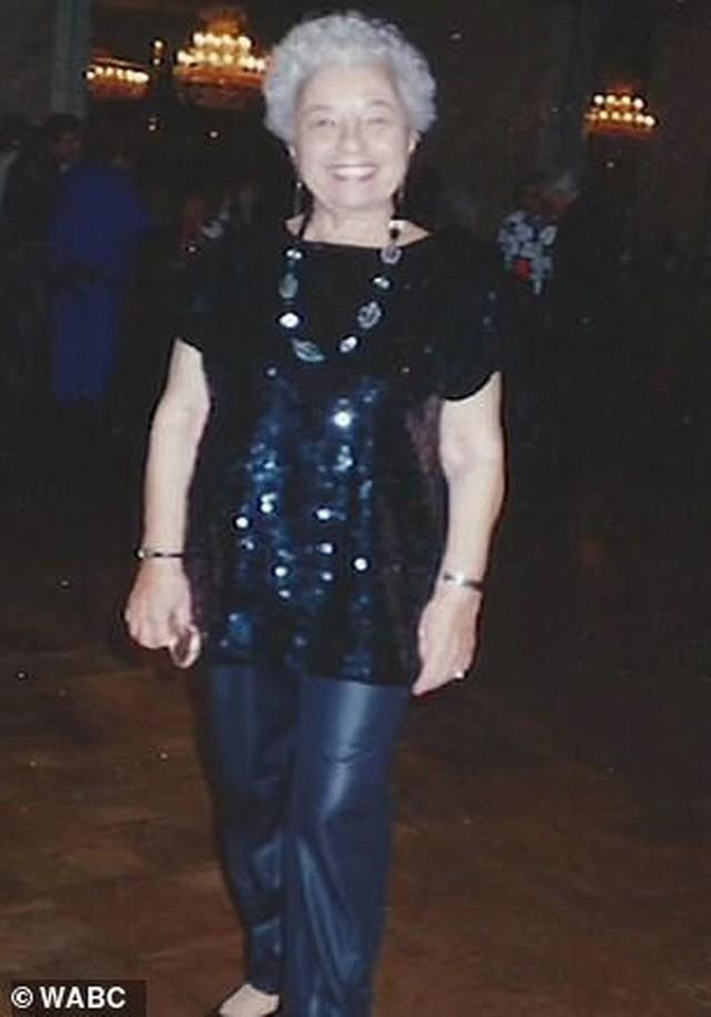 Được hỏi bí kíp sống lâu, cụ bà 107 tuổi bật mí: Không bánh, không nước soda và không đàn ông! - Ảnh 3.