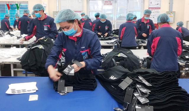 Gỡ điểm nghẽn ngành dệt may từ công nghiệp hỗ trợ dệt, nhuộm - Ảnh 2.