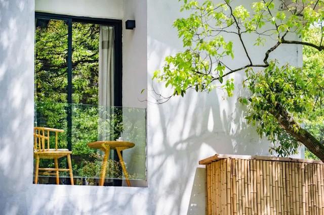Nữ biên tập viên từ bỏ công việc và ngôi nhà trong thành phố, cùng chồng và bố mẹ sống cuộc đời an nhàn trong ngôi nhà vườn ở ngoại ô - Ảnh 27.