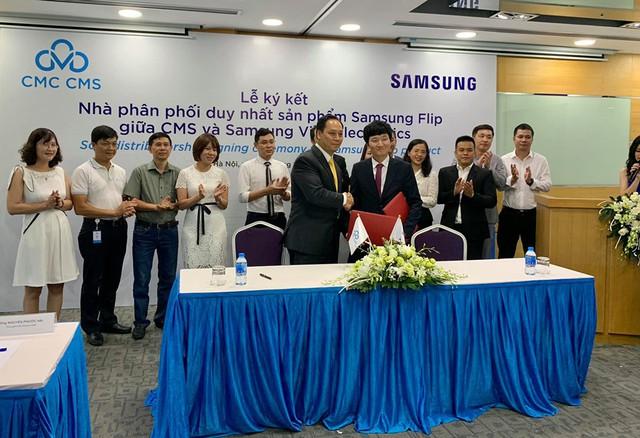 Hết thời bảng đen phấn trắng, Samsung cho ra sản phẩm bảng tương tác game hoá các bài giảng, phân phối độc quyền qua công ty con của CMC - Ảnh 3.